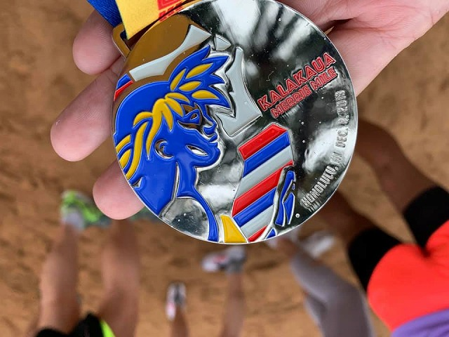 カラカウアメリーマイルの完走メダルがかわいい