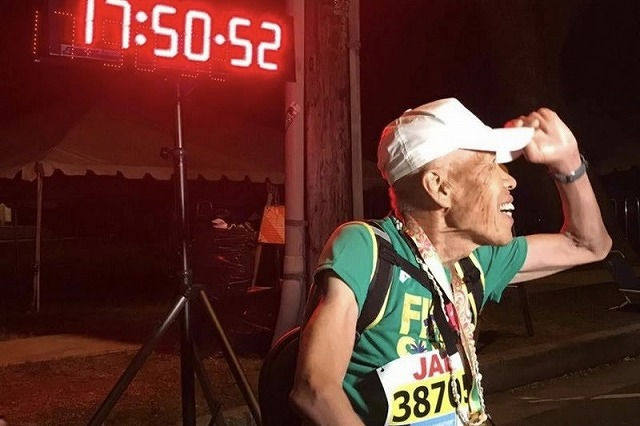 ホノルルマラソンは制限時間がない!2018年最終ランナーは伊藤サダオさん